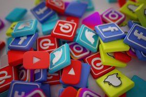 מתבססות על טרנדים ועל תחומי עניין - רשתות חברתיות